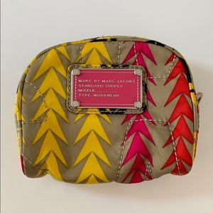 Marc Jacobs leaf triangle fabric print pouch arrow
